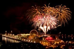 fireworksnavypier-624x416